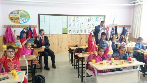 ilce-milli-egitim-muedueruenden-okul-ziyareti